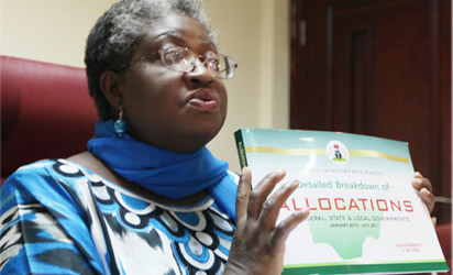 Finance Minister, Mrs. Ngozi Okonjo-Iweala breifing journalists on Revenue Allocation Formular in Abuja. Photo by Abayomi Adeshida