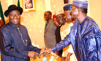 File photo: President Goodluck Jonathan With (from right), Govs Isa Yuguda of Bauchi, Godswill Akpabio of Akwa Ibom, Deputy Governor of Adamawa State, Bar. Bala Nggilari, Govs Theodore Orji of Abia and Rotimi Amechi of Rivers State during a meeting on Saturday Night In Abuja. Photos-State House