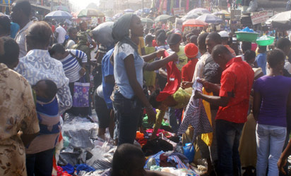 Xmas-shopping-oshodi