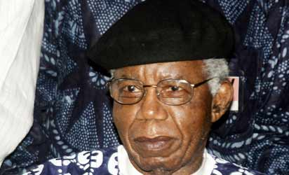 the writing style of chinua achebe in things fall apart Important themes the complexity of igbo society chinua achebe has said that this is one of his main themes in the book he provides detailed descriptions of the legal codes and practices, the marriage customs and familial codes, community leadership and laws, and the religious beliefs of the igbo people.