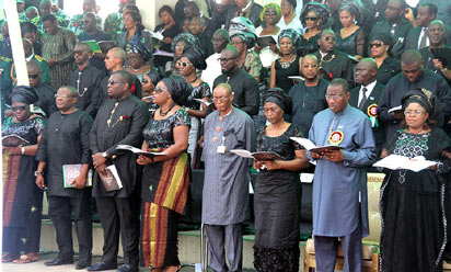 From Right; Dame Patience Jonathan, President Goodluck Jonathan, Mrs Alero Azazi (Widow), Prof. Tamunopreye  Benebo and Azazi's family members  during the funeral service for Late Gen. Andrew Azazi at Peace Park, Yenagoa, Bayelsa State, Saturday.